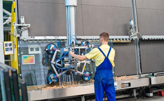 Osobom poszukującym pracy na stanowiska produkcyjne, które posiadają doświadczenie w pracy przy liniach produkcyjnych, oferujemy indywidualne warunki zatrudnienia, uzależnione od poziomu ich  kwalifikacji.